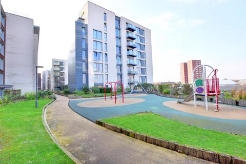 1 bedroom apartment to rent - Signal Building, Station Approach, Hayes, Middlesex UB3 4FG