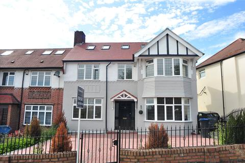 5 bedroom semi-detached house for sale - Wilmer Way, London, N14