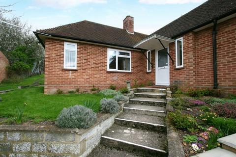 1 bedroom bungalow to rent - Dukes Valley, Windsor Road, Gerrards Cross, Buckinghamshire SL9 8SR