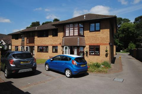 2 bedroom retirement property for sale - Pine Drive, Thornhill Park