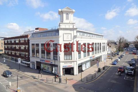 2 bedroom penthouse for sale - High Road N17