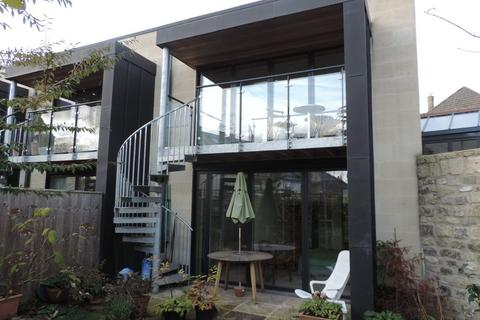 3 bedroom terraced house to rent - Ralph Allen Yard, Bath