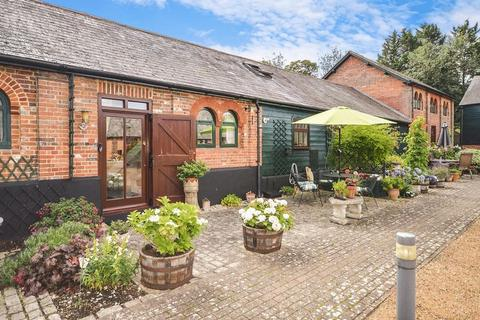 2 bedroom barn conversion for sale - Near Wendover