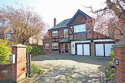 6 bedroom detached house for sale - Elmsway, Hale Barns, Cheshire