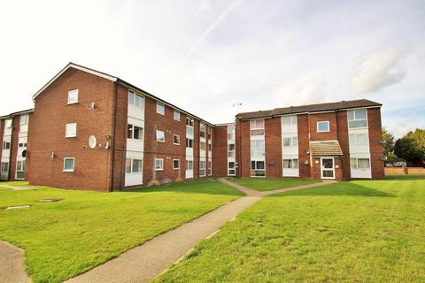 2 bedroom apartment for sale - Lupin Drive, Chelmsford, CM1