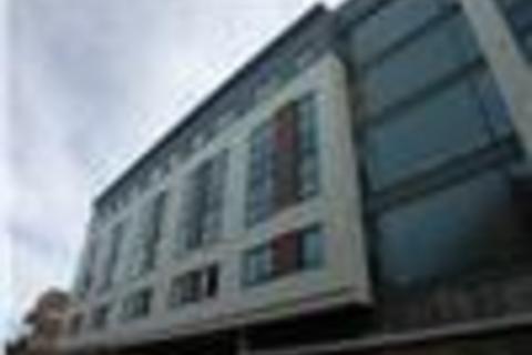 Studio to rent - Mede House Salisbury Street,