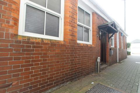2 bedroom detached bungalow for sale - The Old School Annex, , 161a - 163 North Road West