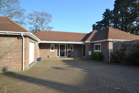 3 bedroom bungalow for sale - Broadstone