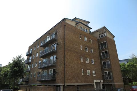 2 bedroom apartment to rent - Boatlifter Way, Surrey Quays