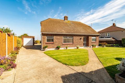 4 bedroom detached bungalow for sale - Chalk Road, Gravesend