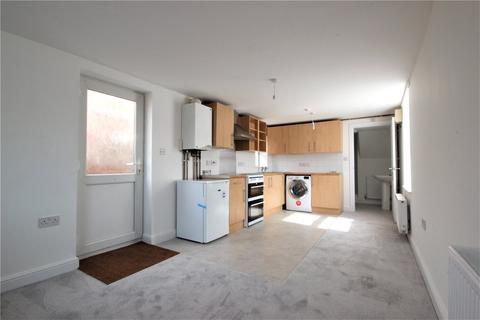 Studio to rent - Collins Street, Avonmouth, Bristol, BS11
