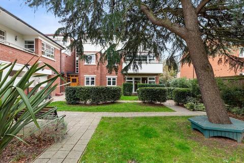 2 bedroom ground floor flat for sale - The Avenue, Wanstead