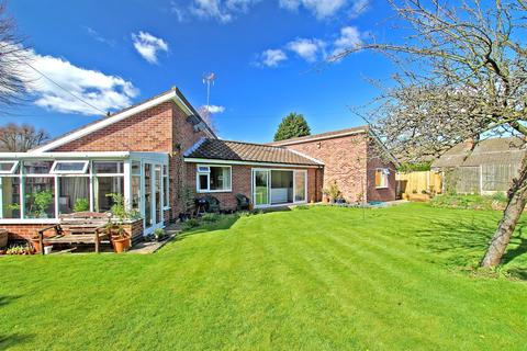 3 bedroom detached bungalow for sale - Eastmoor Drive, Carlton, Nottingham