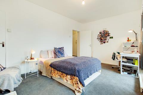2 bedroom apartment for sale - Evelyn Street, London, SE8