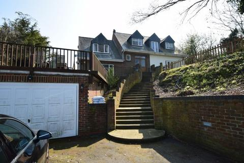 5 bedroom house for sale - Walmers Avenue, Higham, ME3
