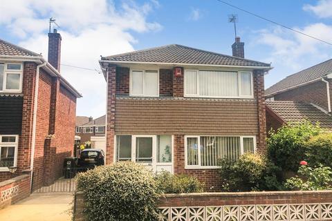 3 bedroom detached house for sale - Ravendale Road, Gainsborough, DN21 1XA