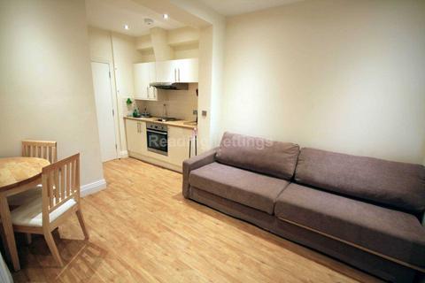Studio to rent - Castle Street, Reading Town Centre