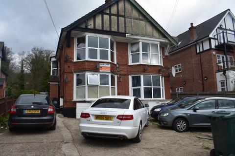 Studio to rent - West Wycombe Road, High Wycombe HP12