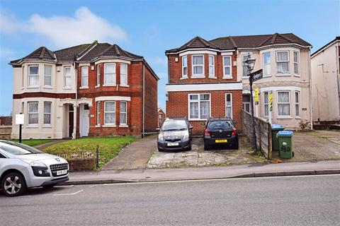 6 bedroom semi-detached house to rent - Burgess Road, Southampton, SO16 3BJ