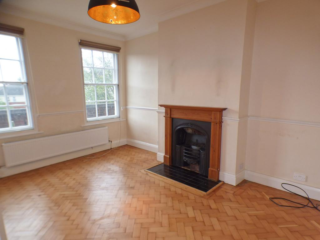 2 Bedroom First Floor Maisonette to Rent
