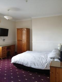 Studio to rent - The Great Western Hotel, Shrub Hill, Worcester