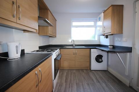 3 bedroom semi-detached house to rent - Danesbury Crescent