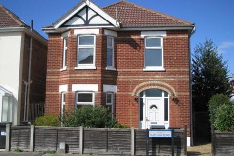 4 bedroom detached house to rent - Markham Road, Bournemouth