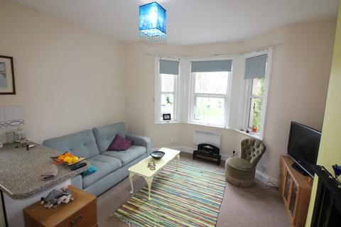 1 bedroom flat to rent - Churchill Road, Boscombe BH1