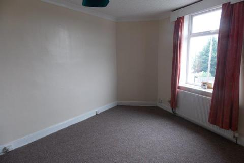 3 bedroom apartment to rent - Wharncliffe Drive, Bradford, BD2