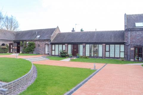 3 bedroom barn conversion for sale - 5 Blue House Barns Chetwynd Road, Newport, Shropshire, TF10 7UE