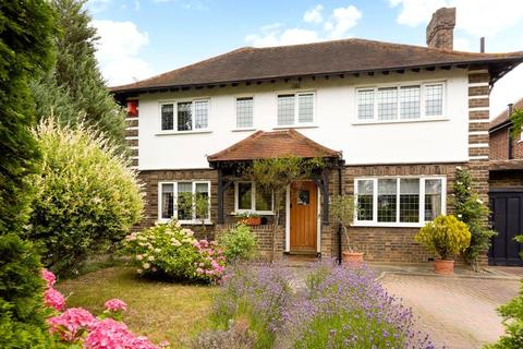 Houses for sale in Hinchley Wood | Property & Houses to Buy