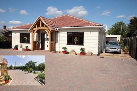 3 bedroom detached bungalow for sale - Brook Road, Tolleshunt Knights, MALDON, Essex