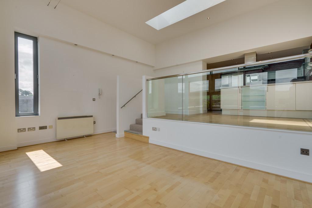 Splendid open plan living/dining room