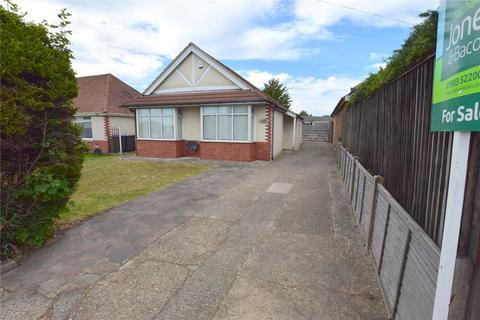 2 bedroom bungalow for sale - Upper Brighton Road, Sompting, West Sussex, BN15