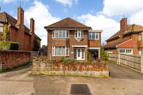 5 bedroom detached house for sale - Beaconsfield Road, Basingstoke, Hampshire, RG21