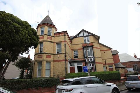 2 bedroom apartment for sale - Station Road, Old Colwyn
