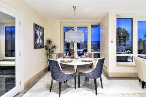 3 bedroom apartment - Warren House, Beckford Close, London, W14 8TW