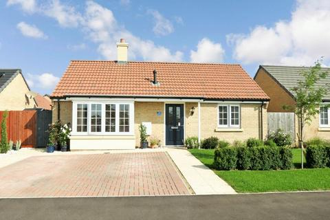2 bedroom detached bungalow for sale - Baston