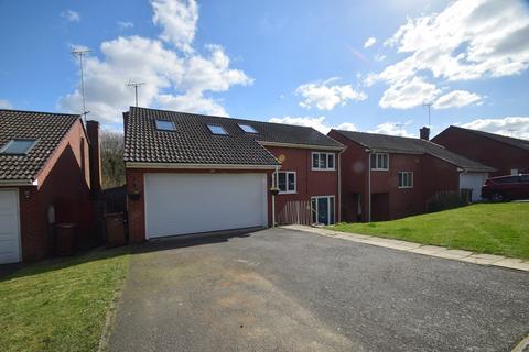 6 bedroom detached house for sale - De Mere Close, Gillingham, ME8