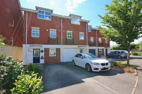 4 bedroom townhouse for sale - Eccles Close, York