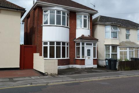 3 bedroom house to rent - Portman Road, Bournemouth, BH7