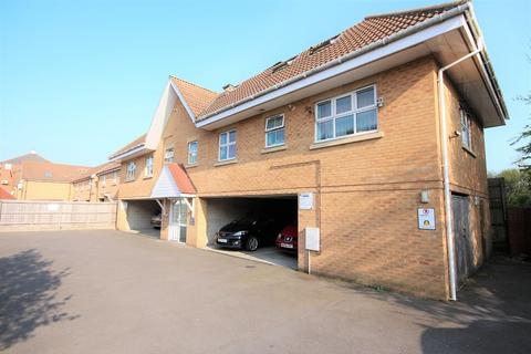 2 bedroom flat for sale - Henville Road, Charminster, Bournemouth