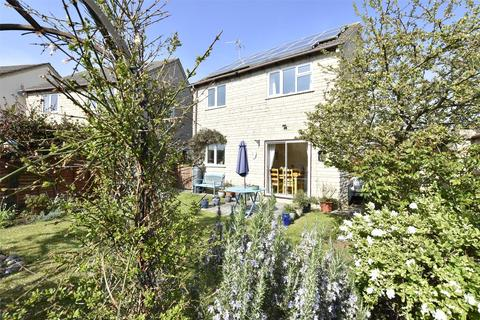 3 bedroom detached house for sale - Acacia Park, Bishops Cleeve, GL52