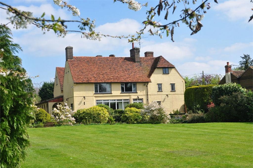 7 Bedrooms Country House Character Property for sale in Pynchon Hall, Wrights Green, Little Hallingbury