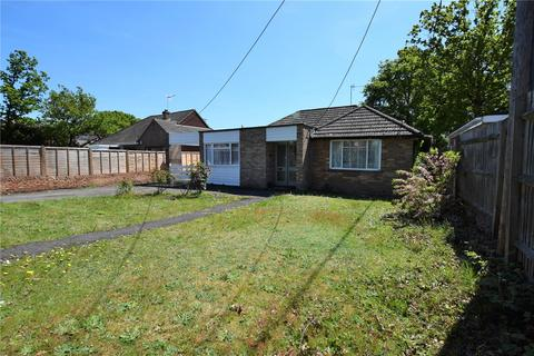 3 bedroom bungalow to rent - Clayhill Road, Burghfield Common, RG7