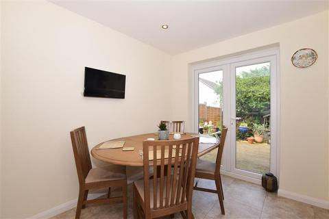 3 bedroom detached house for sale - Sherwood Close, Fetcham, Leatherhead, Surrey