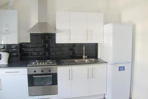 2 bedroom flat to rent - Lower Road, Surrey Quays, SE16 2UG