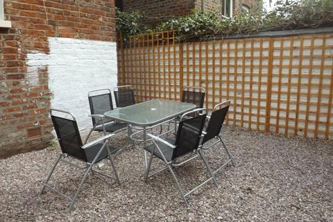 1 bedroom house share to rent - Tatton Grove , Didsbury, Manchester M20