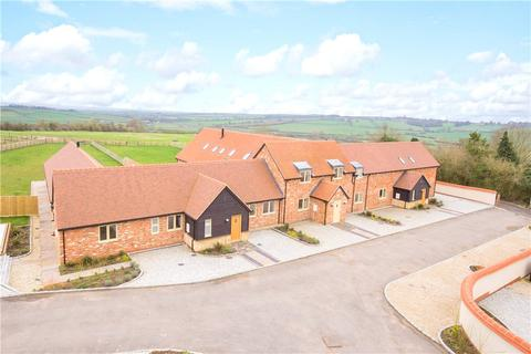 4 bedroom bungalow for sale - Manor Farm Barns, Lower Pollicott, Aylesbury, Buckinghamshire, HP18