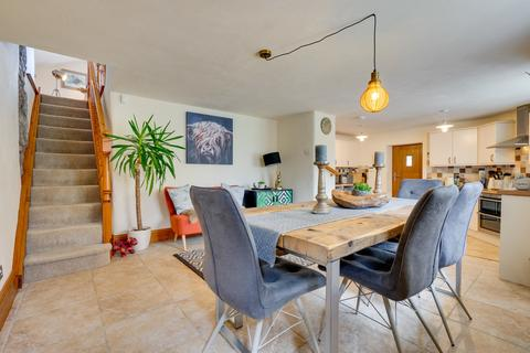 4 bedroom semi-detached house for sale - Carr Bank Road, Carr Bank, Milnthorpe, Cumbria, LA7 7LE